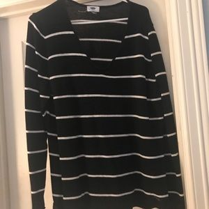 CUte black with white striped v Neck sweater